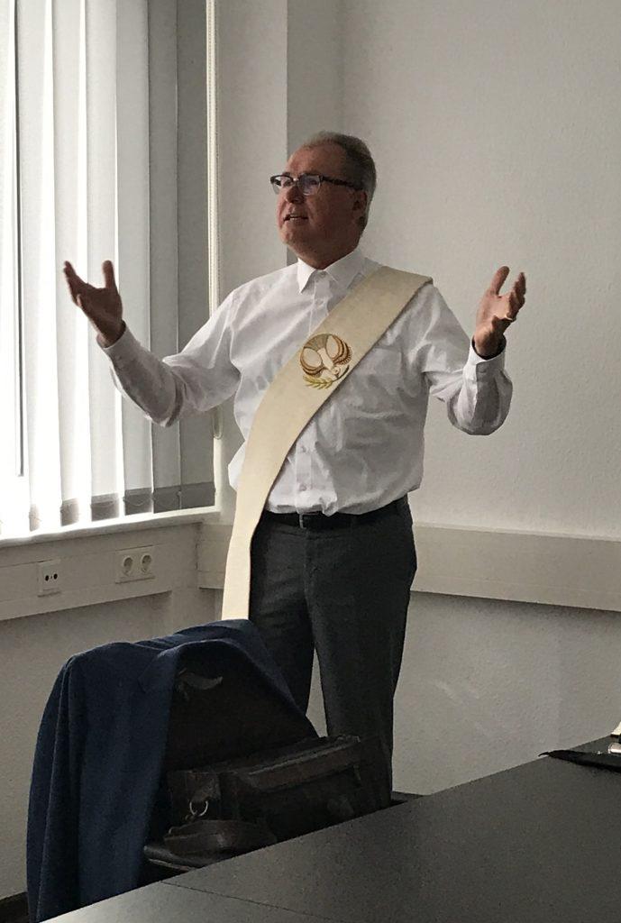 Bernhard Carl bei der Segnung neuer Räumlichkeiten des Caritasverbands im August 2020